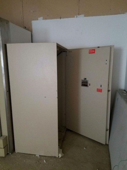 Diebold CashGard Safe TL-30 High Security Vault - Bank Equipment DOT