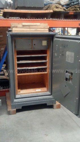 1957 DIEBOLD Safe - Bank Equipment DOT Com FREE Classifieds